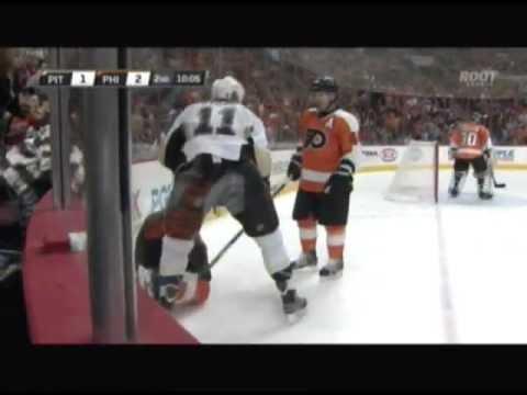 Video: Jordan Staal Fined $2500 for Boarding Flyers Braydon Coburn