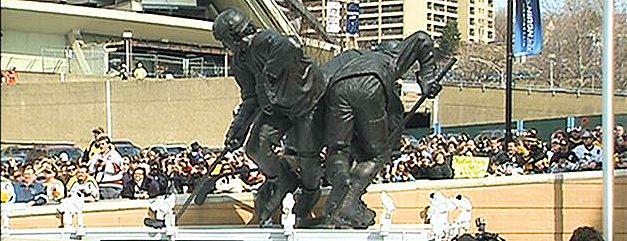 Lemieux Statue